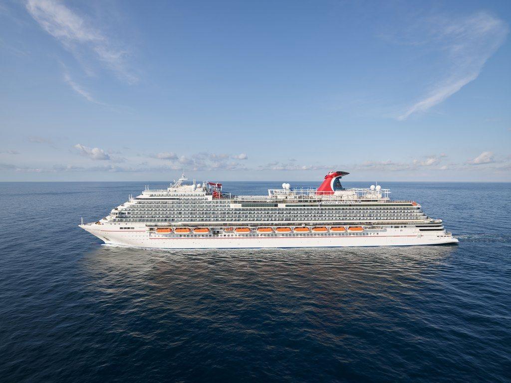 Líneas del grupo Carnival cancelan sus cruceros a Canadá y Alaska para 2021