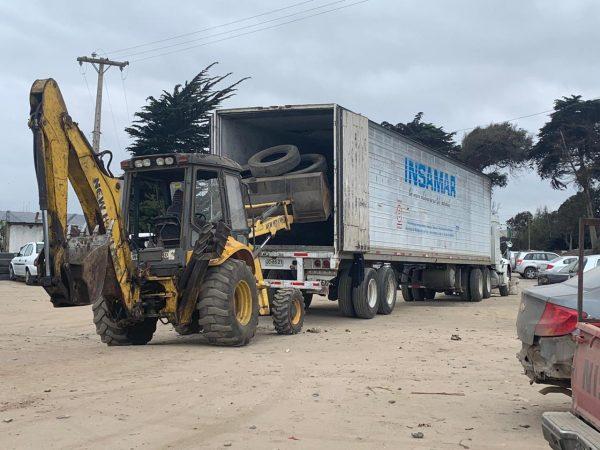 Puerto San Antonio y Municipio concretan retiro de mil neumáticos de las calles de San Antonio - PortalPortuario