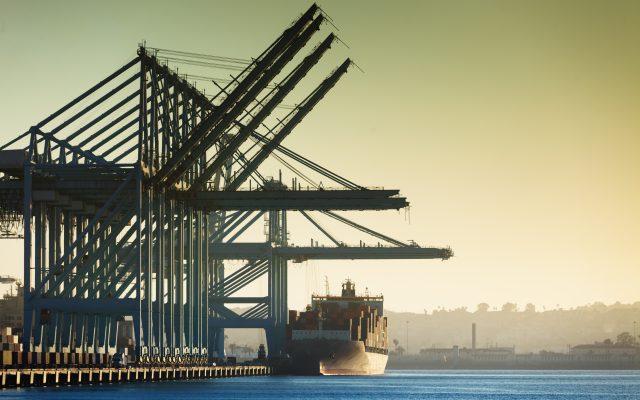Aumento de importaciones de Estados Unidos genera subida de costos y congestión en puertos