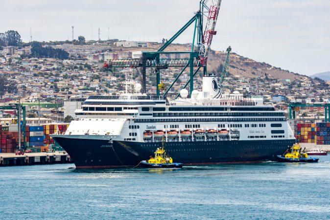 Líneas de cruceros suman cancelaciones tras extensión de pausa operativa