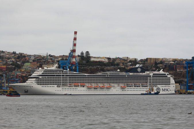 Galería: Revisa imágenes de la escala inaugural del MSC Magnifica en Valparaíso