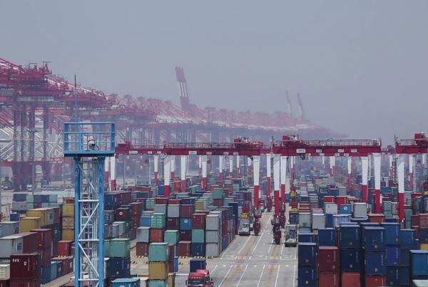 Puerto de Shanghai prevé una terminal automatizada que use baterías de hidrógeno