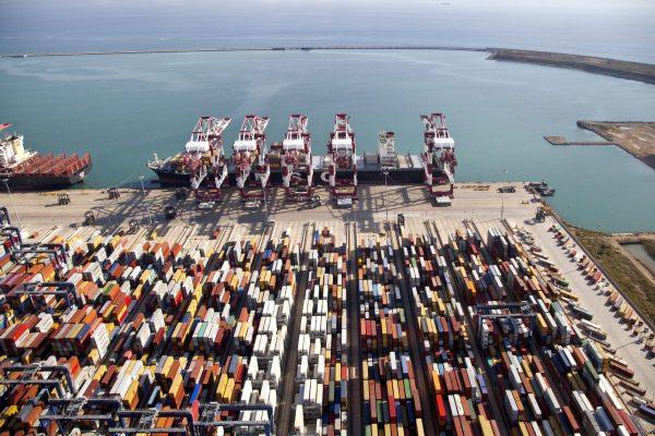 Puertos españoles mueven 90 millones de toneladas durante primer bimestre