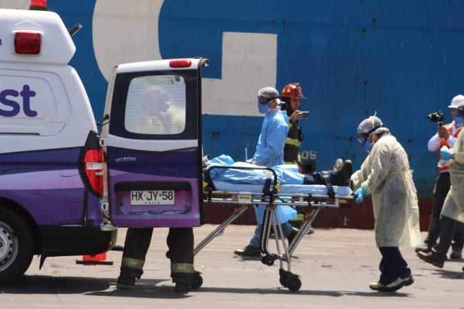 Imágenes: Simulan caso de tripulante contagiado con Coronavirus en Puerto de Antofagasta