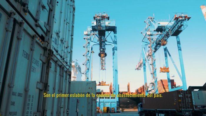 Video: Puerto Valparaíso destaca labor de portuaria en medio de la pandemia