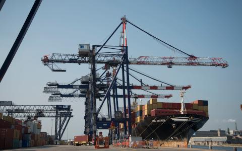 Italia: Terminal Container Ravenna completa operaciones de dragado