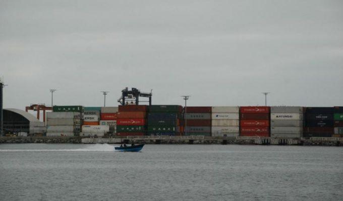 Exportaciones mexicanas caen 40,9% en abril