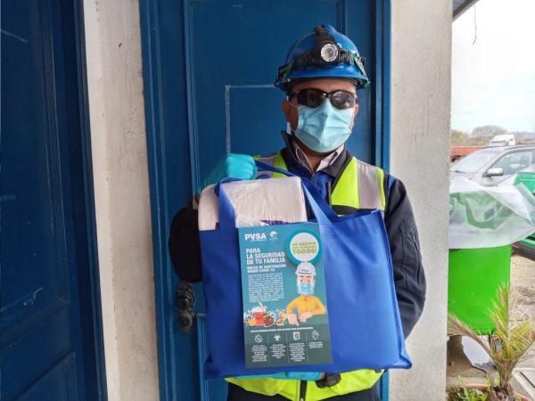 Puerto Ventanas entrega packs de limpieza y desinfección a familias de trabajadores