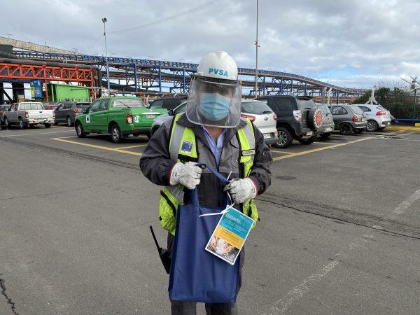 Importador de granos agradece labor portuaria regalando harina a trabajadores de Puerto Ventanas y Agmac