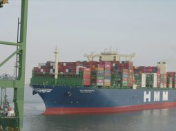 Largest-container-ship-in-the-world-calls-on-Port-of-Antwerp