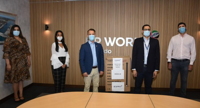 DP World Caucedo dona equipos de ventilación artificial y anestesia AX400 a República Dominicana