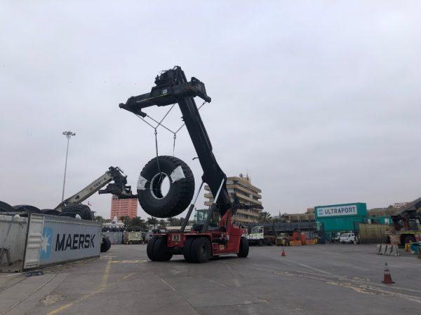 Terminal Puerto Arica recibe carga de neumáticos para industria minera peruana