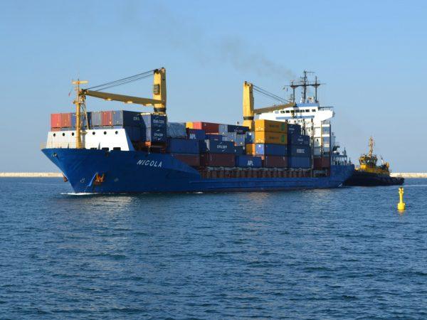 Italia: Puerto de Taranto vuelve a recibir contenedores con servicio de CMA CGM