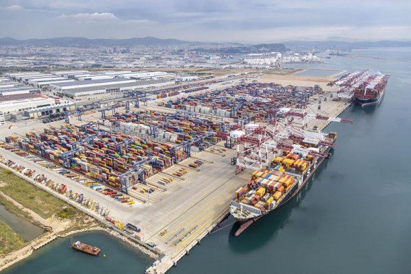 Movimiento de carga en Puerto de Barcelona cae 18,6% a agosto