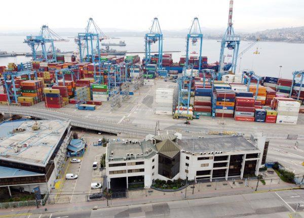 Puerto de Valparaíso recibe premio Carlos Vial Espantoso