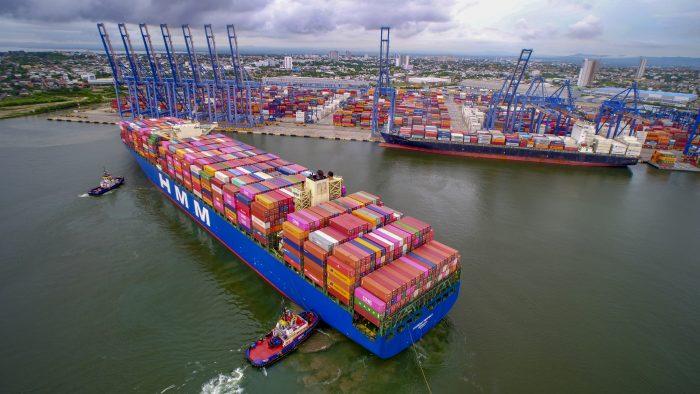 Hyundai Respect recala al Puerto de Cartagena