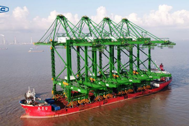 ZPMC envía cuatro grúas automáticas para contenedores a Tuas PSA Singapur