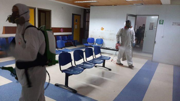 Puerto San Antonio sanitiza dependencias de Hospital Claudio Vicuña