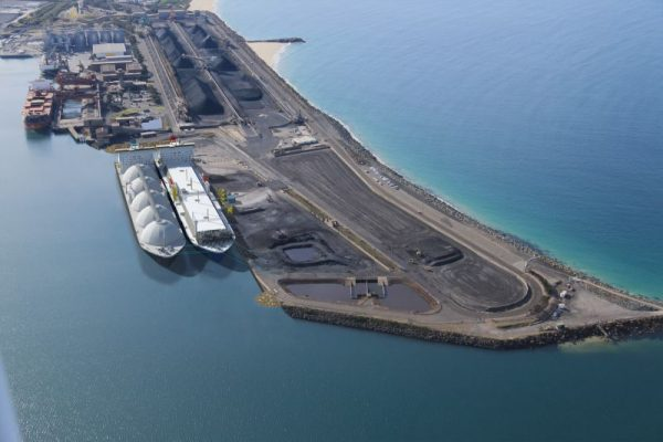 Australia: AIE firma contrato con NSW Ports para arriendo de terminal de gas de Port Kembla