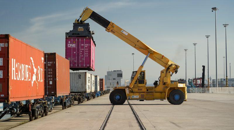 Puerto de Algeciras establecerá un nuevo registro de carga movida por  ferrocarril - PortalPortuario