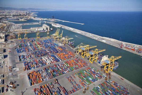 Movimiento de contenedores en Puerto de Barcelona cae 11% durante 2020