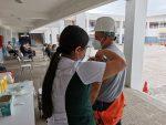 Trabajadores portuarios de Compañía Minera del Pacífico reciben vacuna contra el Covid-19