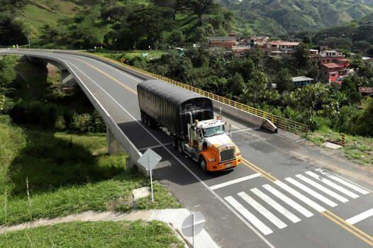 Desembolsan más de 50 mil millones de pesos colombianos para modernización  del transporte de carga - PortalPortuario