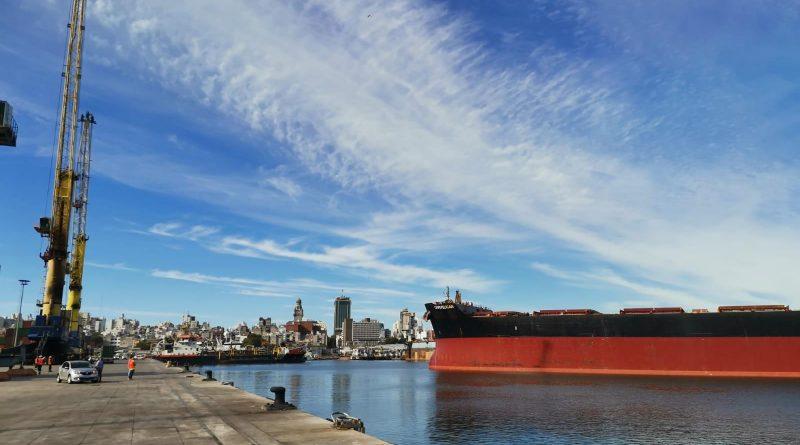Video: Primer buque Capesize recala al Puerto de Montevideo