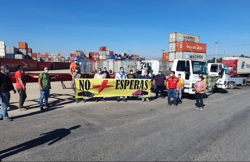 Comenzarán a sacar contenedores desde depósitos bloqueados en San Antonio