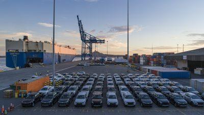 Galería: SVTI atiende a segundo car carrier que llega a un puerto del Bio Bio