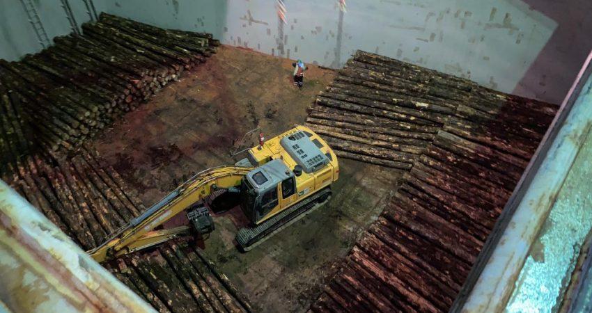 primer embarque troncos puerto montt (2)