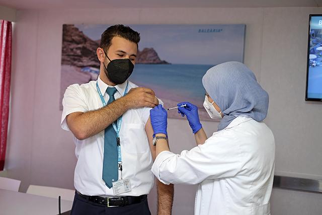 Baleària inicia plan de vacunación adicional para completar la inmunidad de sus tripulaciones