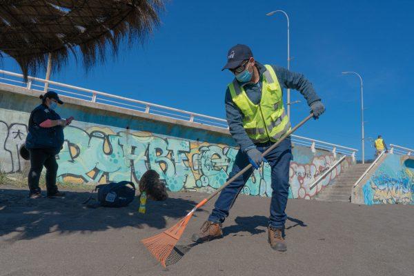 SVTI participa de campaña de Limpieza de Playas