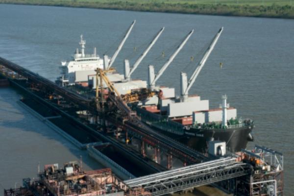Eagle Bulk Shipping recibe el M/V Antwerp Eagle