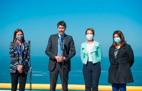 Carolina Schmidt, el presidente de Puerto San Antonio, Raimundo Cruzat, Gloria Hutt y la delegada, Gabriela Alcalde, dieron el anuncio.