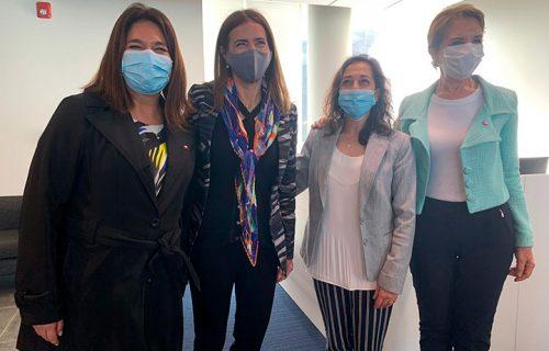 La delegada provincial, Gabriela Alcalde, la-ministra del Medio Ambiente, Carolina-Schmidt, Gricel Ojeda de Puerto San Antonio, y la ministra de Transportes, Gloria Hutt.