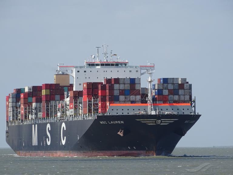 Buque de MSC retrasa su arribo a Chile por caso positivo de Covid-19 en un tripulante detectado en Perú