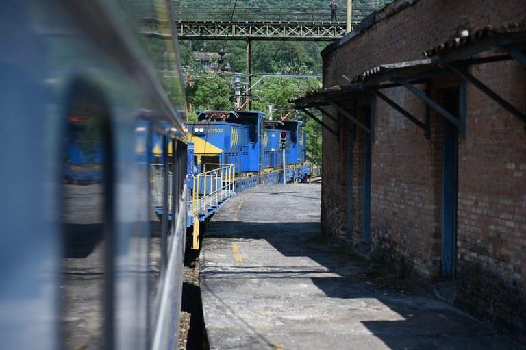 Ministro da Infraestrutura destaca investimento privado para promoção da movimentação ferroviária no Porto de Santos